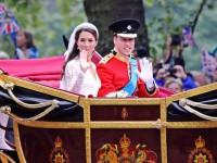 Kate und William in Hochzeitskutsche