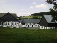 einer von vielen Bauernhöfen Deutschlands